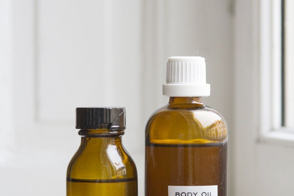 How To Make Your Own Warming and Romantic Body Oil